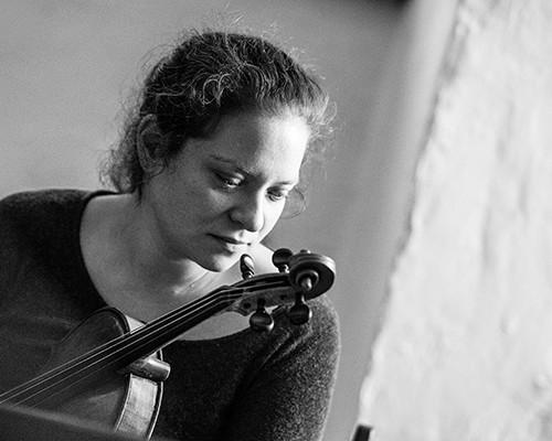 Nora Romanoff – Viola