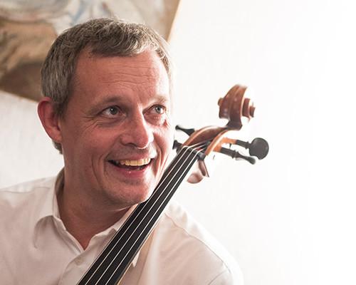 Tristan Schulze – Cello & Komposition